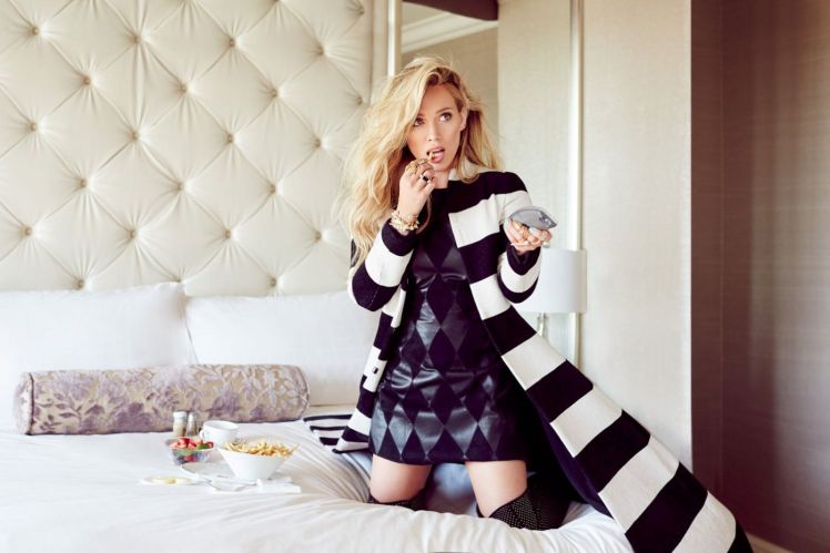 Hilary-Duff-Glamour-Mexico-Magazine-Photoshoot-November-2015-3